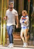 Elsa Pataky et Chris Hemsworth vu partir après avoir assisté à la fête d'anniversaire d'un ami au Crown Hotel à Sydney, Australie