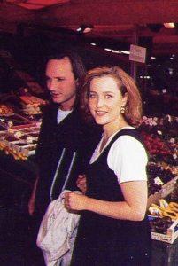 جيليان أندرسون مع زوجها السابق كلايد
