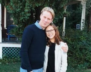 مينا سوندوال مع والدها