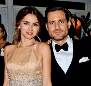 إدغار راميريز مع صديقته آنا
